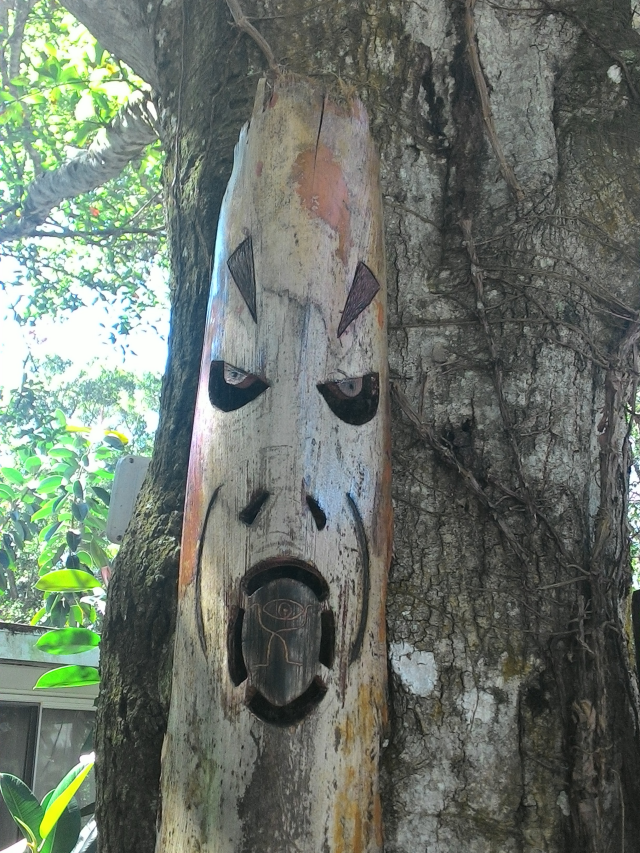 Palm Petoile mask carving